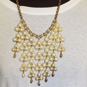 Stella And Dot Dahlia necklace goldtone faux pearl